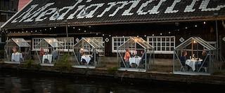 Un ristorante di Amsterdam ha costruito serre private per cenare in totale sicurezza