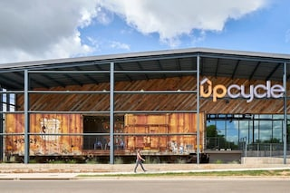 UPCycle, il vecchio magazzino trasformato in edificio per uffici creativo