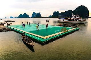 Ko Panyee FC e il campo da calcio galleggiante più incredibile al mondo