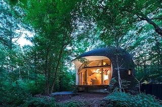Shell House, la casa che sembra un guscio immerso nelle foreste del Giappone