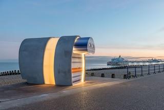 Spy Glass, la cabina sulla spiaggia retrò che offre tutti i comfort moderni per il mare