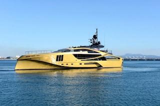Khalilah, il superyacht dorato fatto interamente in carbonio