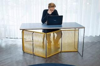Chaise renversée, la scrivania che diventa sdraio perfetta per lo smart working d'estate