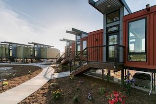 Geneseo Inn, l'hotel di container immerso nella vigna californiana