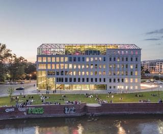 MVRDV trasforma un edificio storico di Breslavia nel nuovo polo creativo della città