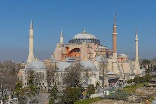 La storia di Santa Sofia, l'iconico monumento di Istanbul che diventerà moschea