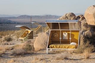 La vita al Wagon Station Encampment, dove si dorme in gusci nel deserto di Joshua Tree