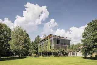 Snøhetta progetta un ufficio open space completamente ricoperto di piante
