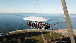 Al Lago di Como arriva Dinner in the sky, il ristorante sospeso nel cielo
