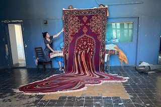 Faig Ahmed, l'artista dei tappeti che sembrano gocciolare via