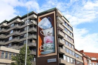 Leon Keer, l'artista che dipinge murali 3D che sembrano caderti addosso