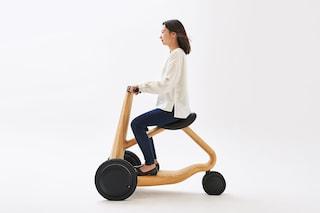 ILY-Ai, lo scooter elettrico in legno di castagno
