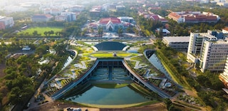 La più grande fattoria biologica su un tetto dell'Asia