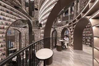 La libreria Dujiangyan Zhongshuge sembra un'opera di MC Escher