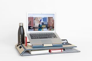 La scrivania portatile per lo smart working che si ispira agli origami