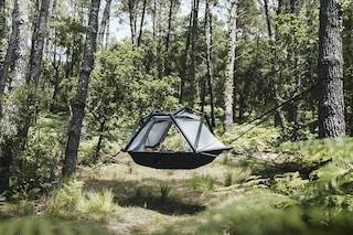 ARK, la tenda sospesa che sembra un'amaca gonfiabile