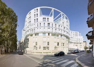Le Residenze Carlo Erba, il nuovo complesso residenziale sinuoso di Milano