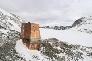 Al Sasso Nero, il rifugio scintillante nelle Alpi italiane