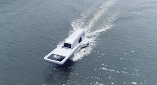 Lo yacht a forma di cerniera gigante