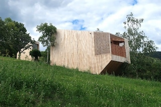L'eco-hotel fatto di casette di legno immerse nella natura