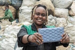 Una donna ha creato il modo per trasformare la plastica in mattoni più forti del cemento