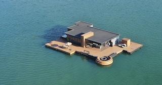 L'hotel sull'isola galleggiante a largo della costa cinese