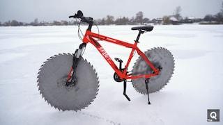 La bicicletta progettata per pedalare sul ghiaccio