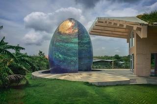 Ecco perché questa casa ha un uovo gigante nel giardino