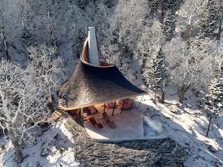 Questo rifugio nella natura è stato progettato usando un algoritmo