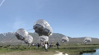 Questa stazione è una nuvola in movimento che genera energia solare in luoghi remoti