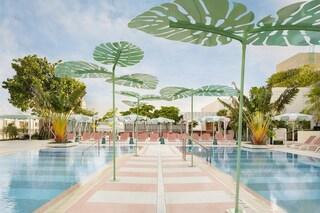 Pharrel Williams apre il suo primo hotel ispirato all'art decò di Miami con David Grutman