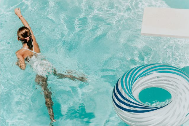 I 10 migliori kit pulizia per piscina: classifica, opinioni e guida all'acquisto