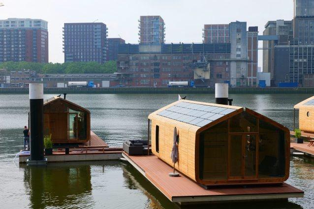 Dormire in una casa galleggiante è l'esperienza che bisognerebbe fare almeno una volta nella vita