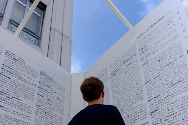 Cambialalingua, nel vocabolario interattivo la storia delle parole: l'installazione promuove l'italiano