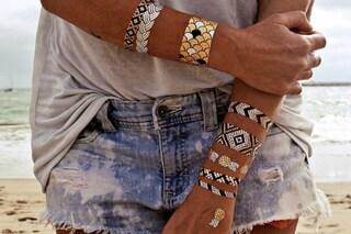Tatuaggi metallizzati, il nuovo trend che si applica sulla pelle (FOTO)