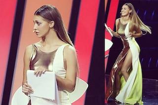 """Belén: golden girl con spacco sexy per la finale di """"Tu si que vales"""" (FOTO)"""