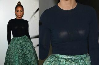 Jennifer Lopez, il reggiseno sbagliato rovina il look (FOTO)