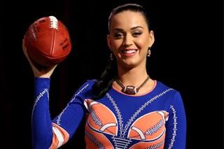 Katy Perry in versione pallone da rugby per il Super Bowl 2015 (FOTO)