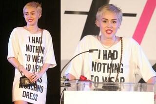"""""""Non ho nulla da mettere"""", così stupisce i fan Miley Cyrus  (FOTO)"""