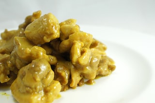 Pollo al curry: la ricetta facile per farlo cremoso