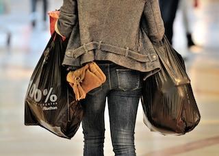 Impulso irrefrenabile di fare shopping? Potrebbe essere a causa dell'ovulazione