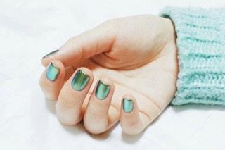 Le unghie della settimana: il trend è metal (FOTO)
