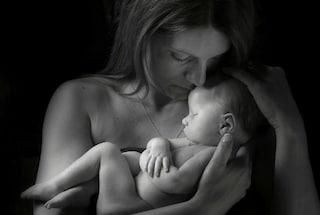 Le commoventi immagini di genitori con i loro bimbi in fin di vita