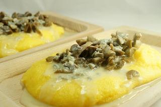 Polenta con funghi e formaggio gorgonzola