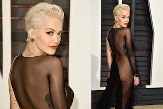 Scandalosa Rita Ora, senza slip al party degli Oscar 2015 (FOTO)