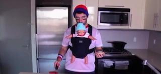 Bere in  pubblico senza essere scoperti? Arriva il thermos a forma di bebè (VIDEO)