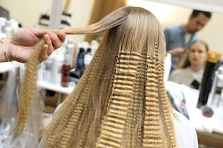 Vuoi evitare capelli bianchi, forfora e doppie punte? Mangia noci, quinoa e peperoni