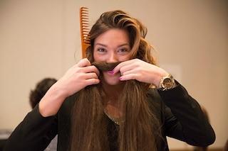 Poco tempo per i tuoi capelli? Ecco le acconciature da creare in soli 5 minuti (FOTO)