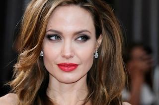 Rossetto rosso: la storia, i look delle dive e i consigli di make up (FOTO)