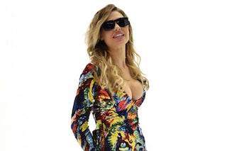 """Ilary Blasi e la scollatura hot: seno in mostra a """"Le Iene Show"""" (FOTO)"""